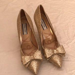 Lucy Choi Gold Glitter Heels